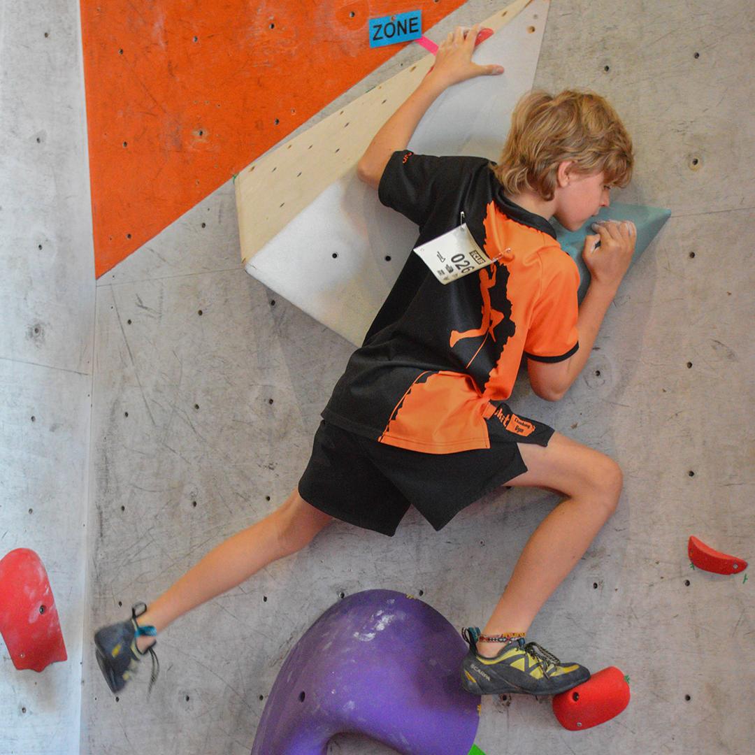 Ethan Naylor climbing